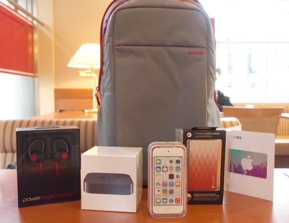 【ラッキーバッグ行列】吹きつける雪に耐えて……アップルストア心斎橋でようやくラッキーバッグ(3万8800円)をゲット → iPod touch だった