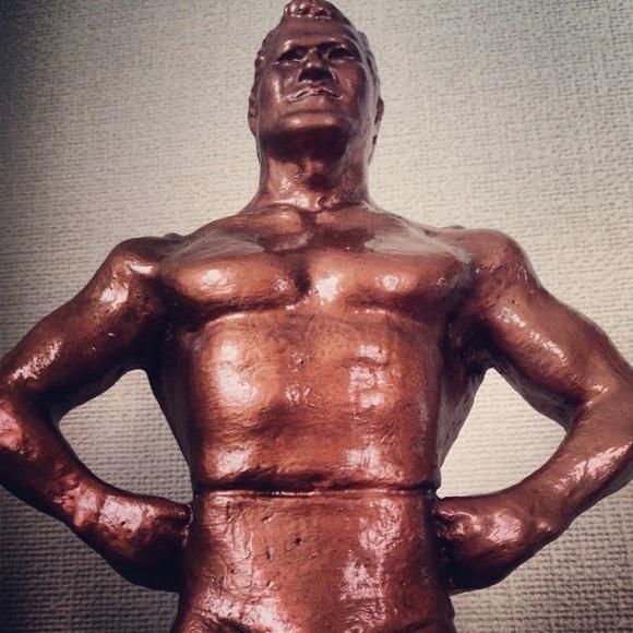 【まんが】プロレスファンなら絶対に欲しい『アントニオ猪木ブロンズ像』は今でも販売されているぞ!!