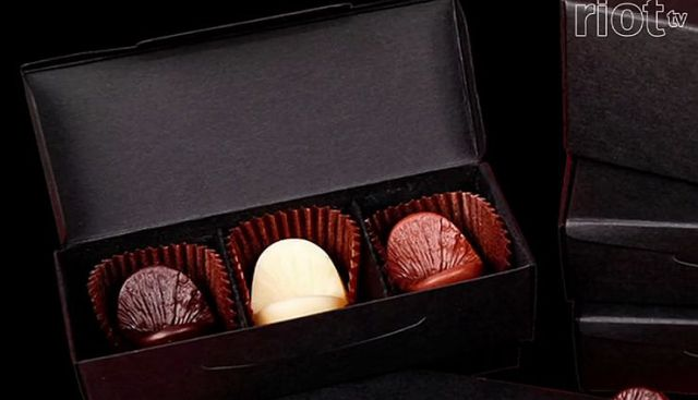 肛門チョコレートで有名な肛門アーティストの新たな挑戦 !! 人の肛門を型どったブロンズ製のオーダーメイド肛門アートを約22万円で制作開始!