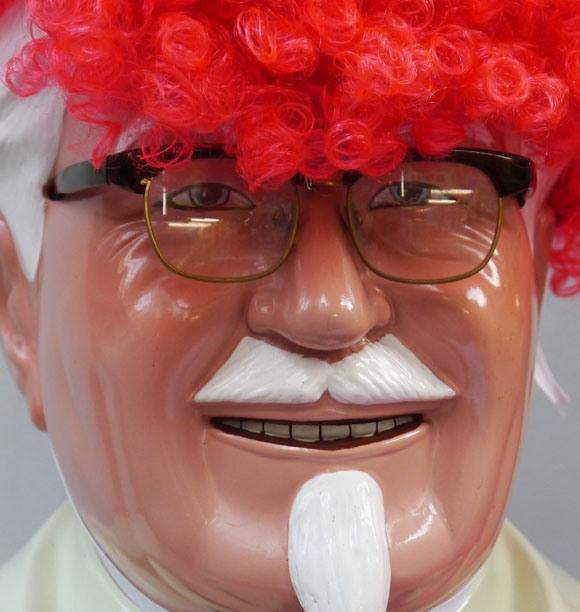 【独自取材】カーネル・サンダースはロクロを回しているんじゃないのか? KFCに問い合わせたところ衝撃的な事実が判明したッ!!