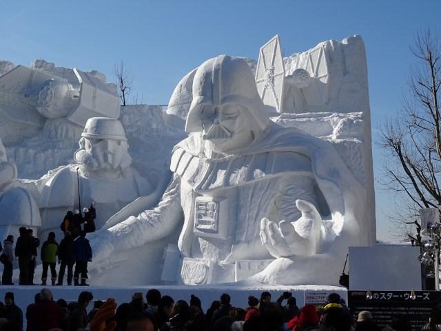 【画像あり】さっぽろ雪まつりのために陸上自衛隊が作った「雪のスター・ウォーズ」が大人気!多くの外国人観光客も絶賛