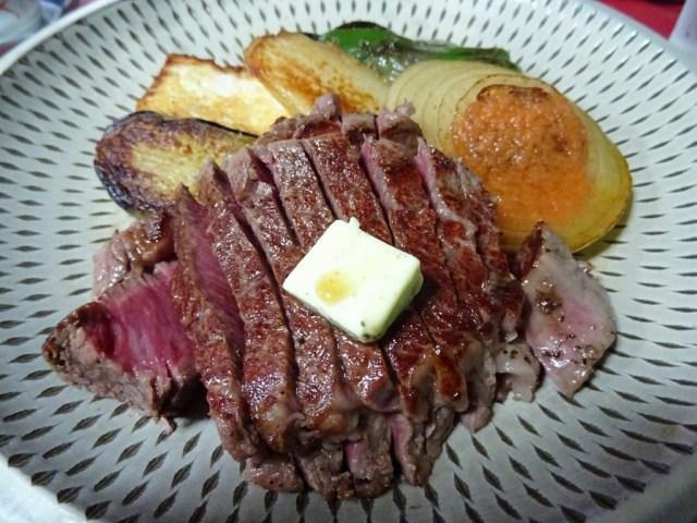 高倉健さんが愛した「ビーフステーキ専門店 ひよこ」のヒレステーキ
