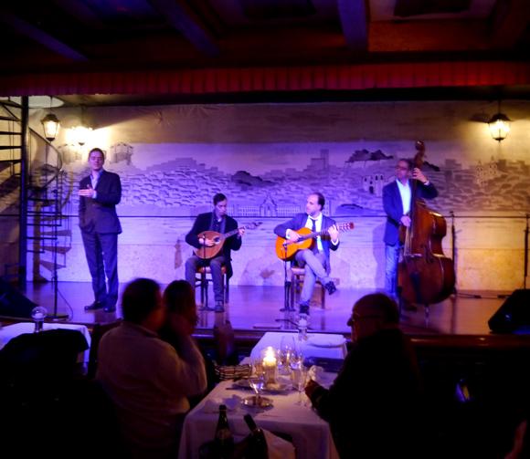 【思い出旅紀行】ポルトガルのレストランで聞いた民謡「ファド」を忘れることができない