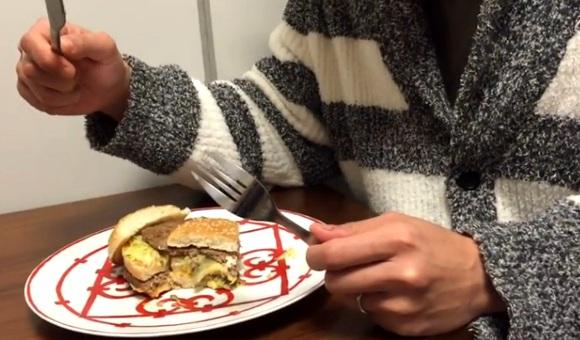 【超ライフハック】超高級ブランドの皿で「ビッグマック」を食べるとアメリカ大統領気分を味わえる