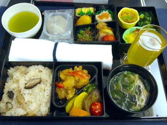 【世界の機内食】上海浦東国際空港~成田空港(全日空 ANA ビジネスクラス)