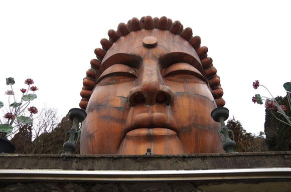 【北陸最強スポット】超ド級の珍スポ!! 石川県小松市の『ハニベ巌窟院』は仏も地獄も入り混じったカオス空間だった