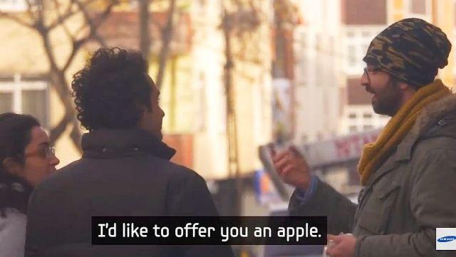 ささやかな感動を味わいたい人は必見! 「みんなが手話を使えたら聴覚障がい者にとって世界はこう見える!」という動画が感動的!!