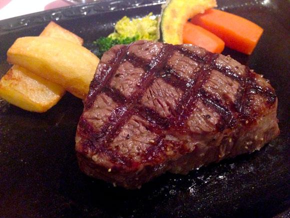 【石川グルメ】石川に行ったら是非食べて! 県外にほぼ流通しない幻の和牛「能登牛」は牛肉の概念をくつがえすウマさ / 甘い肉質はまるでブリトロ!!