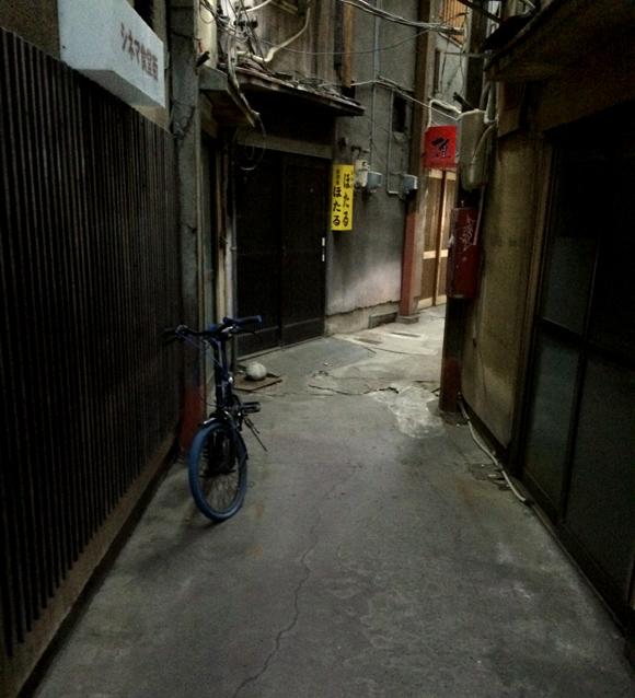 【北陸新幹線】まるで映画のセットのようにノスタルジック / 昭和の雰囲気をいまだに携えた富山「シネマ食堂街」