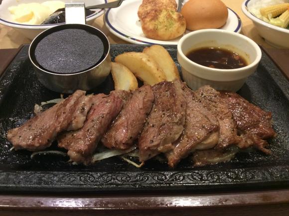 今話題の熟成肉が1099円(税別)で食べられる! おまけに肉柄布団&枕も当たる!! 「ステーキガスト」で開催中のフェア&キャンペーンが魅力的すぎる件