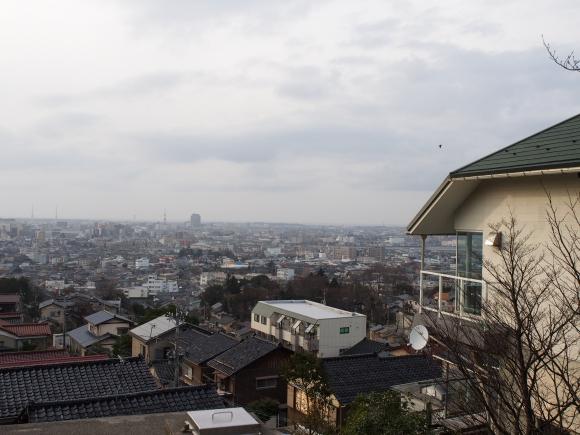 【金沢穴場スポット】金沢市街を一望のもとに見下ろせる絶景カフェを発見! 最高の眺めとコーヒー味わいたければココに行くべし!!