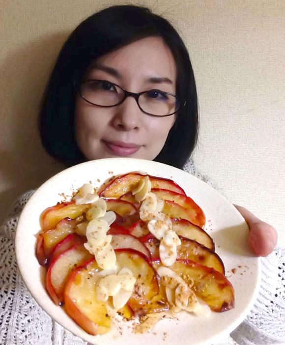 ローラさんがブログに載せていたご飯を真似してみたらウマすぎて泣いた! 「リンゴのココナッツオイル焼き」 と「アボカドスクランブルえっぐトースト」
