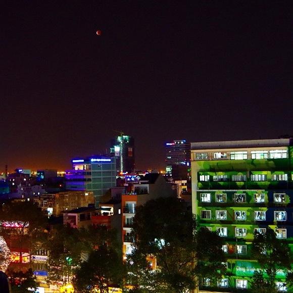 【写真集】月が真っ赤に染まる2015.4.4皆既月食をベトナムで観測してきた