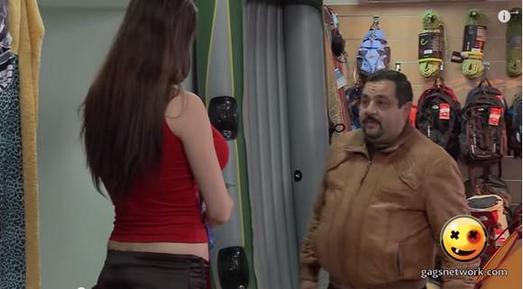 【衝撃イタズラ動画】「試着を手伝って?」美女が目の前でナマ着替え……なわけねーだろ!(笑) 男心を見事に操られた紳士の表情をご覧ください