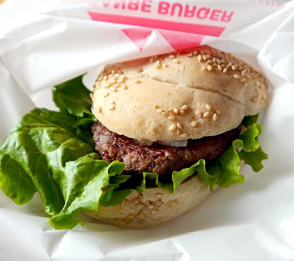 【辺境バーガー】猛烈にアクセスの悪い場所で味わえるリーズナブルな逸品「三瓶バーガー」