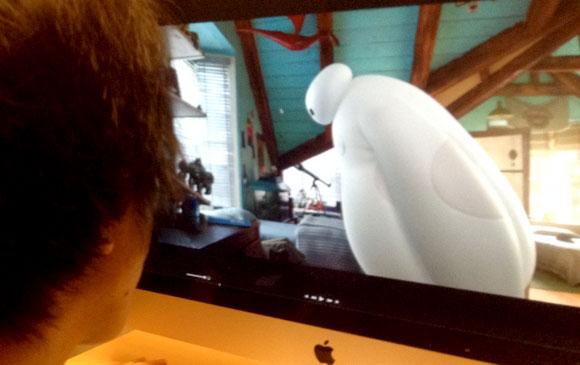 【隠れミッキー情報】公式が認めた! 映画『ベイマックス』の隠れディズニーキャラ8選 / ミッキーにシュガーラッシュ!! アナ雪のオラフもいたぞ!!