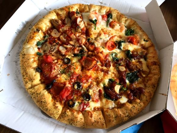 【ピザ速報】ドミノピザのLサイズ「全品半額」キタァァァアアア! 繰り返す「Lサイズなら全品半額」だッ!!