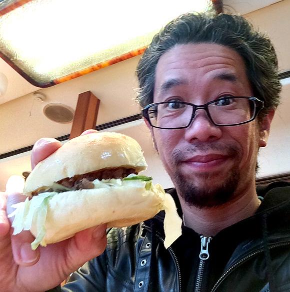 【ハンバーガー批評 第2回】有名グルメ系ハンバーガー店御用達のバンズを作る「峰屋」東京・新宿