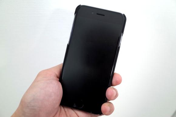 【衝撃】携帯ショップ店員「iPhoneを同じキャリアで使い続ける奴はバカ」
