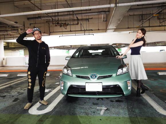 【マジかよ】プリウスこそが「日本最強の女子にモテる車」らしい / 本当かモデルにチェックしてもらった