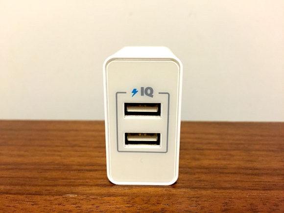 Amazon充電アダプタ人気No.1!「Anker 20W 2ポートUSB急速充電器」がビビるほど有能でもはや手放せないレベル
