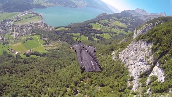 まるで映画のような迫力! ムササビスーツを着て飛行した視点映像が息を呑む美しさ!!