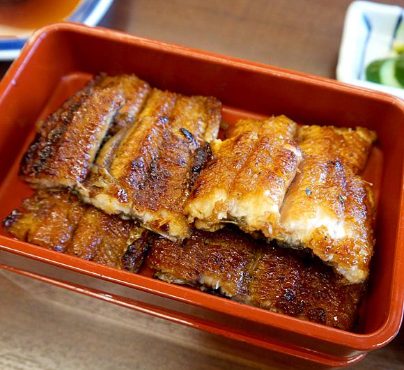 【グルメ】タモリさんが絶賛しているという「吉塚うなぎ屋 本店」で特うな重を食す