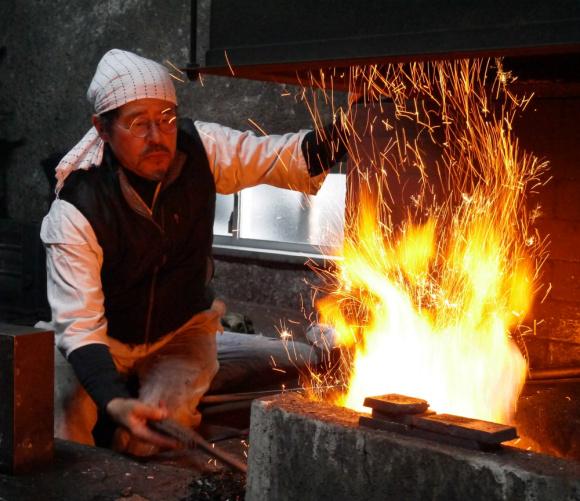 【職人に聞こう】なぜ日本の刀は愛されるのか? 長野県無形文化財の刀匠「宮入法廣」さんに密着インタビュー