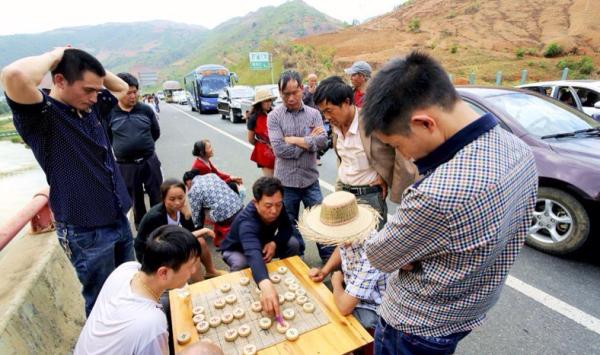 traffic-jam-China-highway-600x355