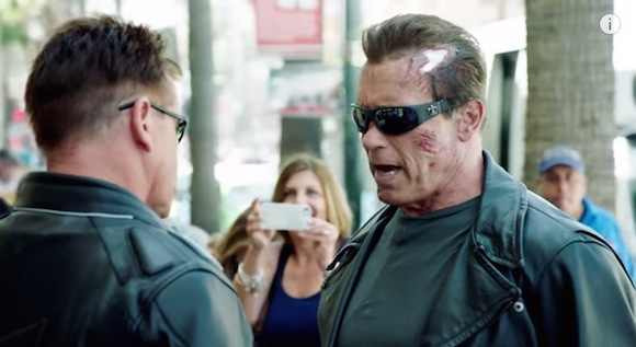 【ドッキリ】アーノルド・シュワルツェネッガーがターミネーターに扮してファンをビビらせまくる動画が大人気