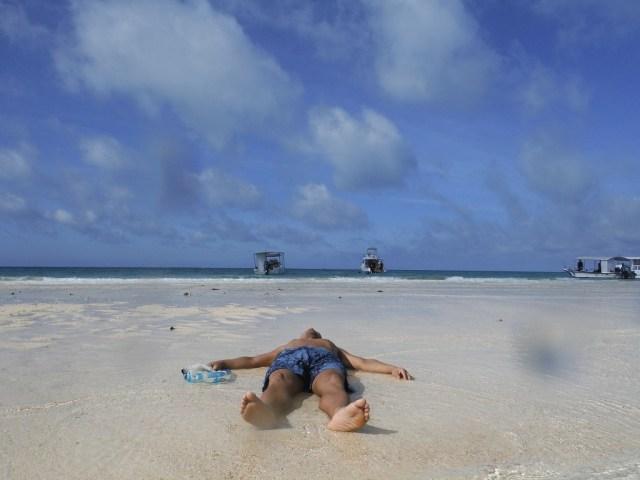 沖縄・石垣島にある幻の島「浜島」に行ってみた / 日本とは思えない美しさに感動