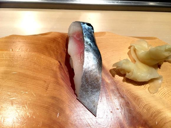 【空港グルメ】おみやげ屋の中にある「穴場立ち食い寿司」が仲卸直営で激ウマい! 新千歳空港『札幌シーフーズ』
