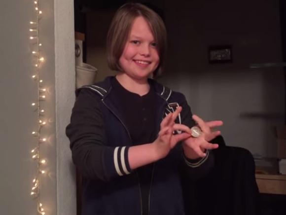 あなたはトリックを見破れるか? 15歳の少年が見せたコインマジックがヤバい!