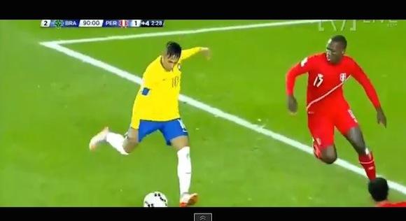 【衝撃サッカー動画】針の穴を通すという表現がピッタリ! ネイマールの出したスルーパスがエグすぎる!!