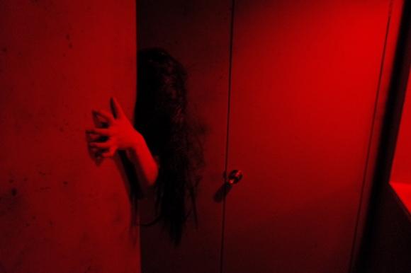 完全予約制お化け屋敷「オバケン・迷図」に行ってみた / 突然現れる幽霊にビビり続ける15分