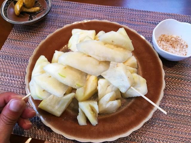 【動画あり】タイの屋台式パイナップルの剥き方