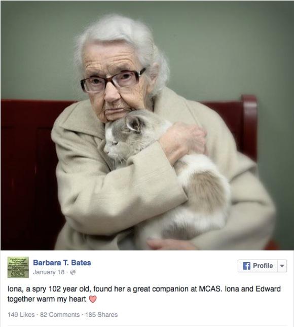 【私のニャンコ】102才の女性がネコの里親になった瞬間の一枚 / その決意あふれる表情が人々の心を打ち話題に