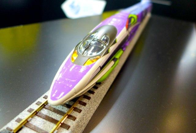 【画像多数】エヴァンゲリオン新幹線の新情報がキターッ / ワンフェスでエヴァ新幹線の模型がお披露目! 想像の100倍くらいカッコよかった!!