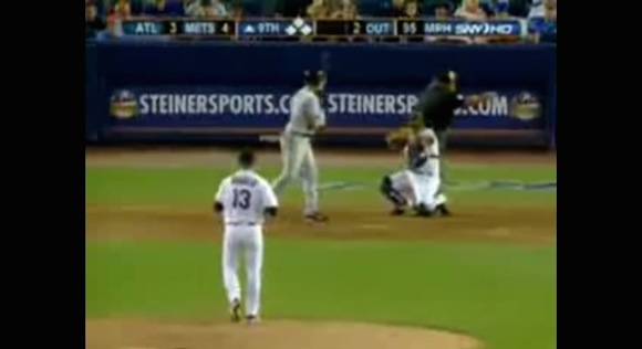 【伝説野球動画】野球史に残る「究極に美しいバット投げ」がコレだ!!