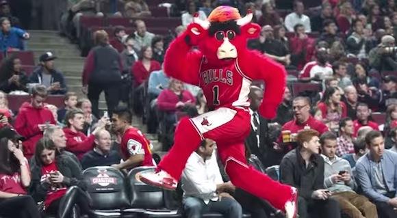 【衝撃バスケ動画】エンターテイナーの鏡! NBAマスコットのパフォーマンスがハイレベルすぎる!!