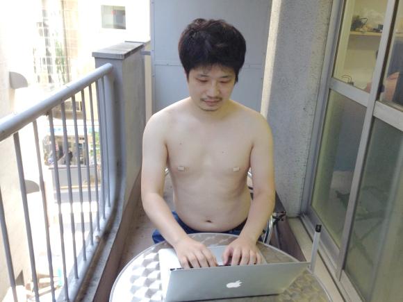 【相手に好印象を残したい人必見】「NGだと思う男性の夏ファッションランキング」1位はスケ乳首! Yシャツ1枚でも「乳首をスケさせない」方法はコレ!!