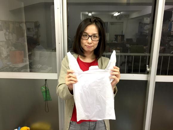 台湾で流行中の「ビニール袋水着」を試してみた