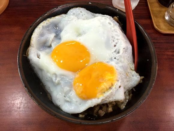 清宮くんも来た! 早実ナインの大好物『焼肉丼エッグ』が激安で激ウマい!! 東京・国分寺「淡淡」