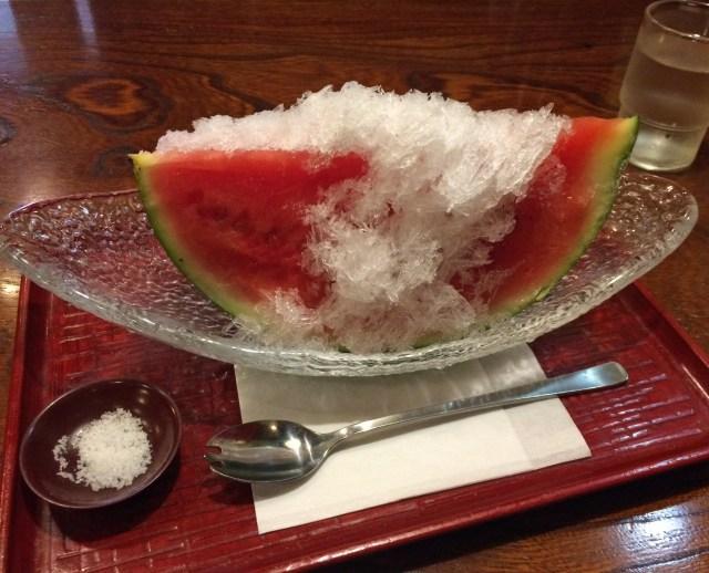 なぜ今までなかった? かき氷 + スイカ = 最高にウマい完成! 東京・浅草「純喫茶マウンテン」の冷たいスイカ