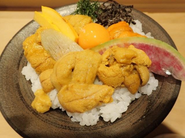 世界のウニが乗ったうに丼を食べられる「うに虎喰」が楽しい! 中国産ウニが意外とウマいことが判明