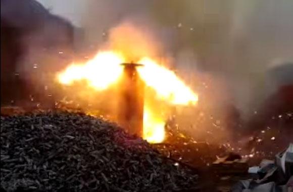 【衝撃動画】銃弾2000発に火をつけたらこうなった