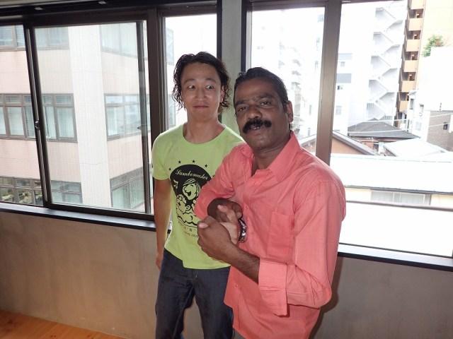 【ヤバい】インド最強のゴッドハンドを持つ『ババセン』氏のコズミックマッサージがスゴすぎる件 / 体の邪気がすべて吹っ飛ぶ!