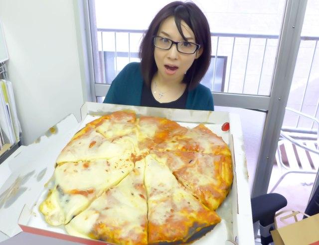 【グルメ】デカすぎィィィ! ミラノ最強ピザ『スポンティーニ』が日本上陸 / 直径50cm 大迫力の極厚ピザにノックダウン寸前な件