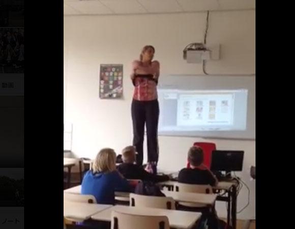 """【動画あり】女性教師が """"体の構造を教えたい"""" と実際に脱いで授業! ウソだろ!! マジかよ!? ってマジだった / 再生回数400万回以上の大ヒット"""