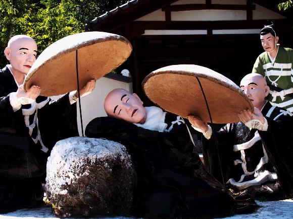 【珍スポット】愛知県にある日本で唯一の宗教テーマパーク「五色園」がとにかくスゴイ / 100体以上にマジでビビった